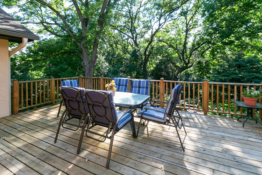 Real Estate Photography - 13311 Greenwich Ct, Apple Valley, MN, 55124 - Deck