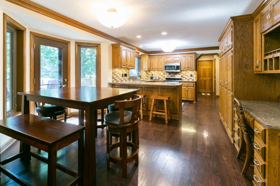 Real Estate Photography - 13311 Greenwich Ct, Apple Valley, MN, 55124 - Eat-in Kitchen