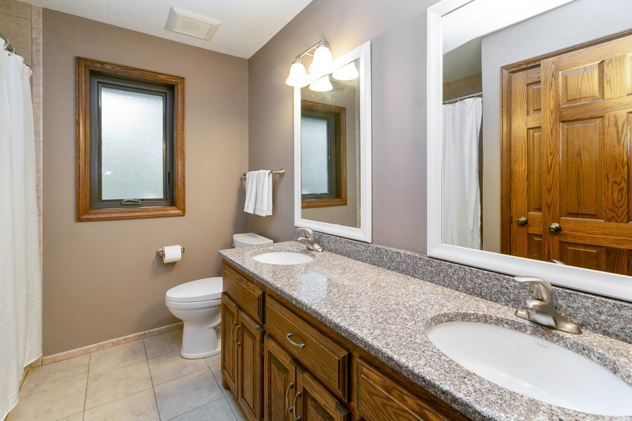 Real Estate Photography - 13311 Greenwich Ct, Apple Valley, MN, 55124 - Upper Level Full Bathroom