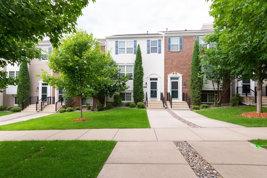 Real Estate Photography - 5124 Scott Path, Robbinsdale, MN, 55422 - Front View