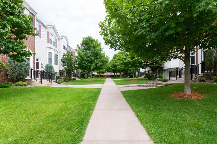Real Estate Photography - 5124 Scott Path, Robbinsdale, MN, 55422 - Walking Path