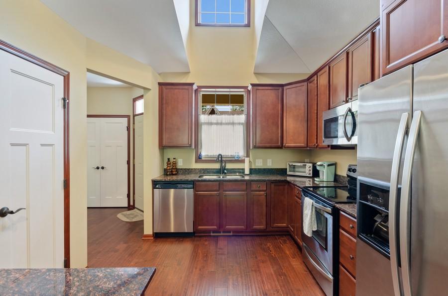 Real Estate Photography - 5160 Wild Marsh Dr, White Bear Lake, MN, 55110 - Kitchen