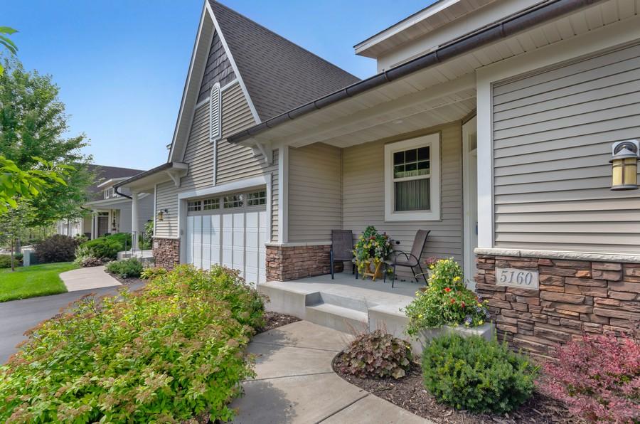 Real Estate Photography - 5160 Wild Marsh Dr, White Bear Lake, MN, 55110 - Entryway