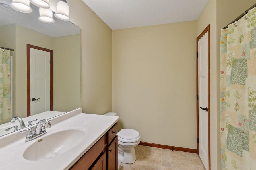 Real Estate Photography - 5160 Wild Marsh Dr, White Bear Lake, MN, 55110 - 2nd Bathroom