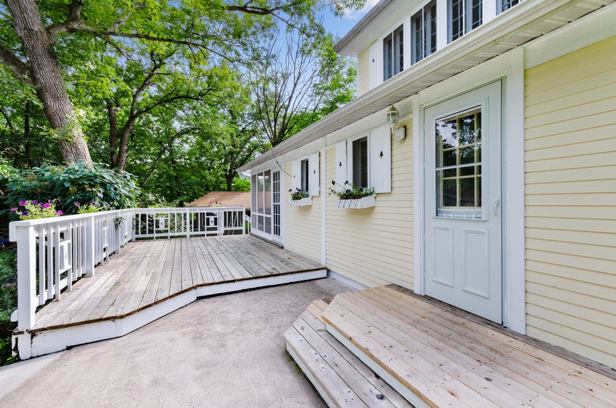 Real Estate Photography - 70 Pine St., Mahtomedi, MN, 55110 - Entryway