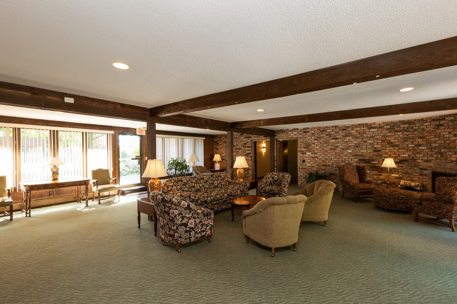Real Estate Photography - 205 Barry St, Unit 206, Wayzata, MN, 55391 -