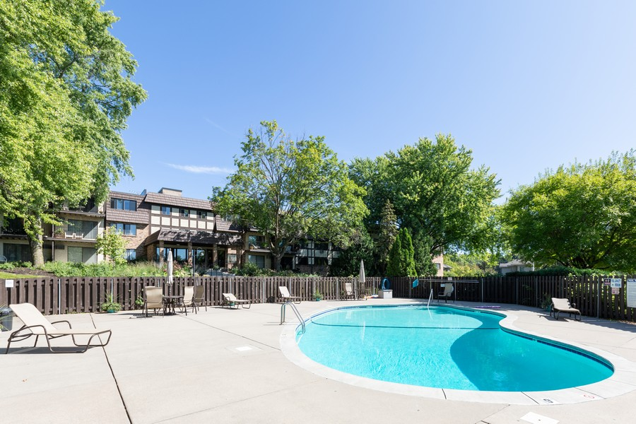 Real Estate Photography - 205 Barry St, Unit 206, Wayzata, MN, 55391 - Pool