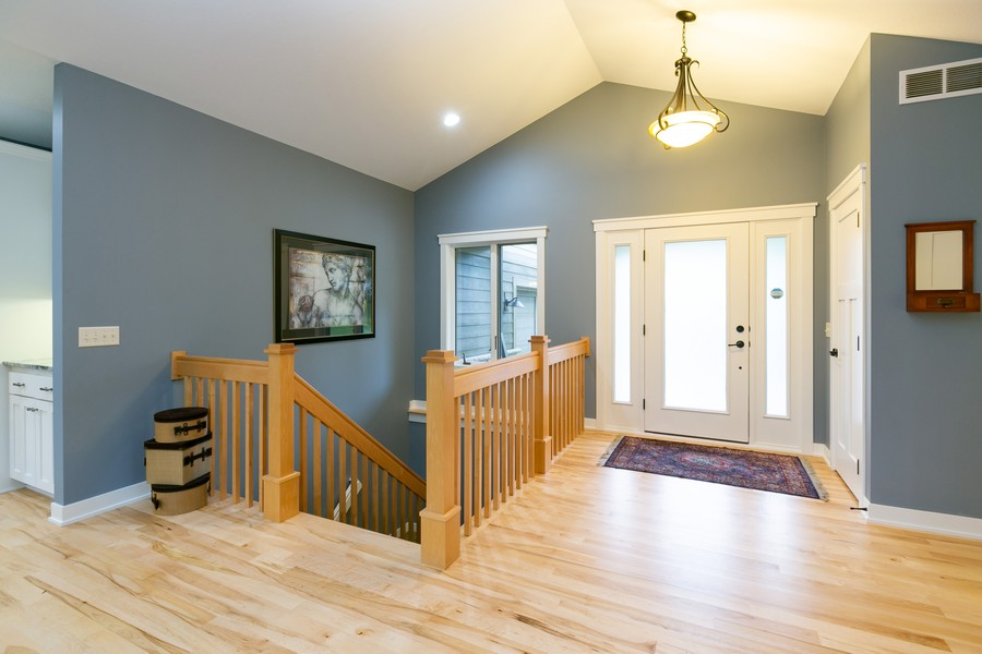 Real Estate Photography - 1040 10th st N, Hudson, WI, 54016 - Entryway