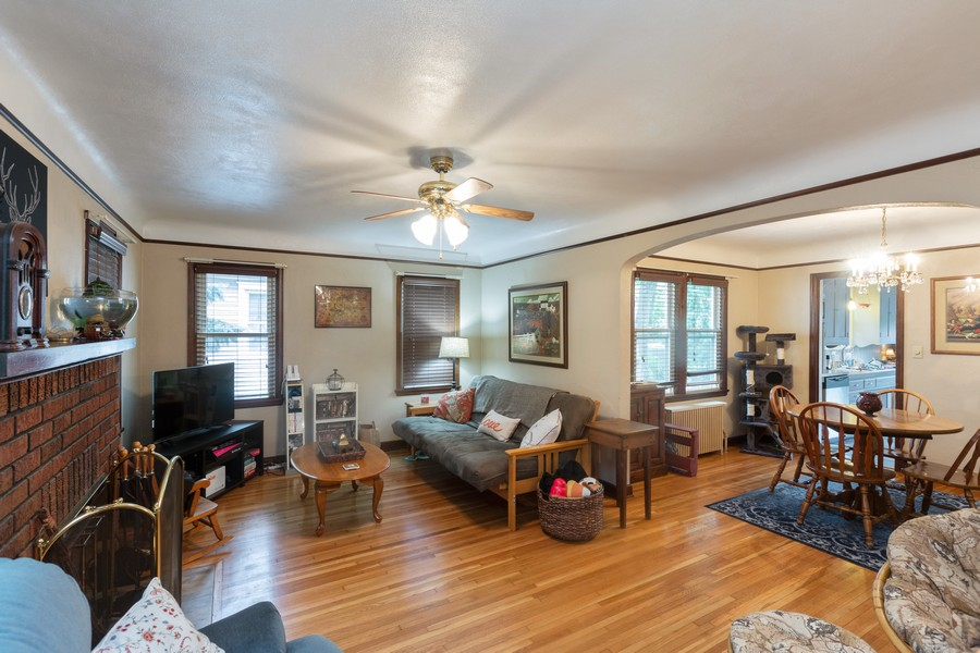 Real Estate Photography - 981 Oakdale Avenue, West Saint Paul, MN, 55118 - Living Room / Dining Room