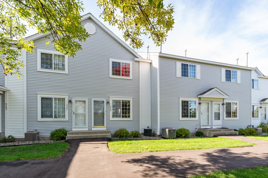 Real Estate Photography - 9099 Scarlet Globe Dr, Eden Prairie, MN, 55347 - Front View