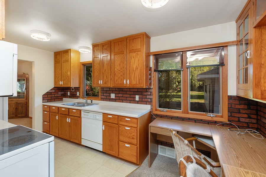 Real Estate Photography - 8369 Goodview Ave S, Cottage Grove, MN, 55016 - Kitchen