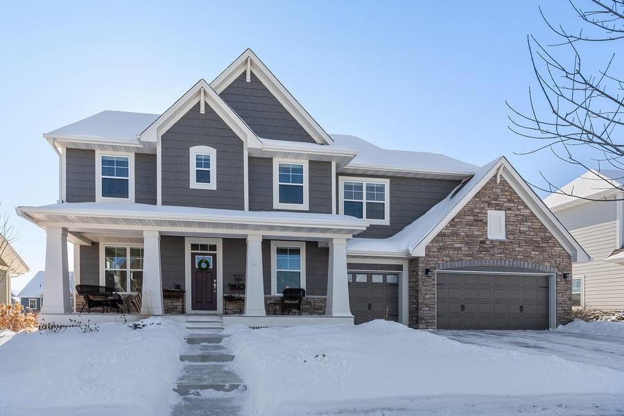 Real Estate Photography - 16646 Early Dawn Trail, Lakeville, MN, 55044 - Front View