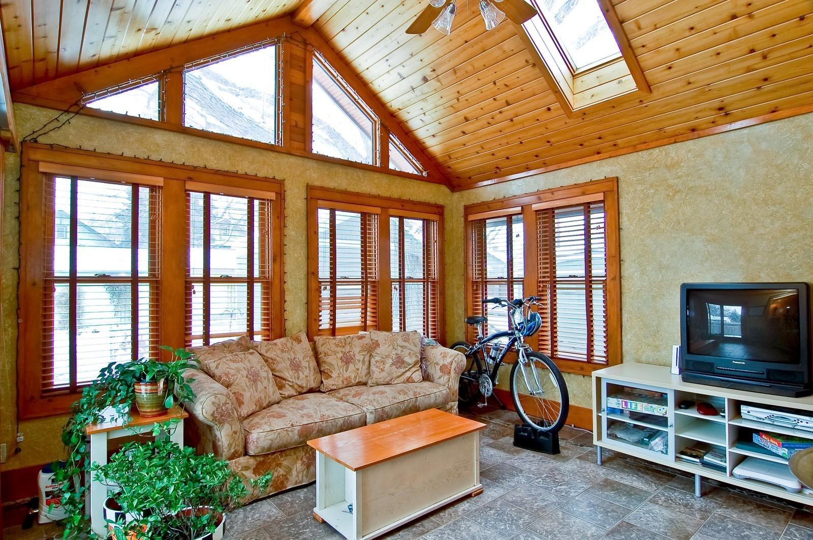 Real Estate Photography - 5012 Upton Avenue South, Minneapolis, MN, 55410 - Sun Room