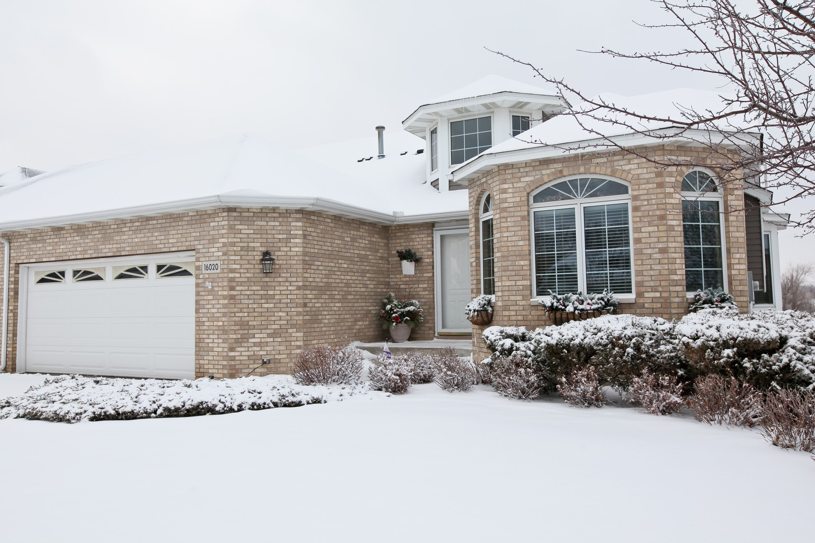 Real Estate Photography - 16020 38th Ave North, Plymouth, MN, 55446 - Front View