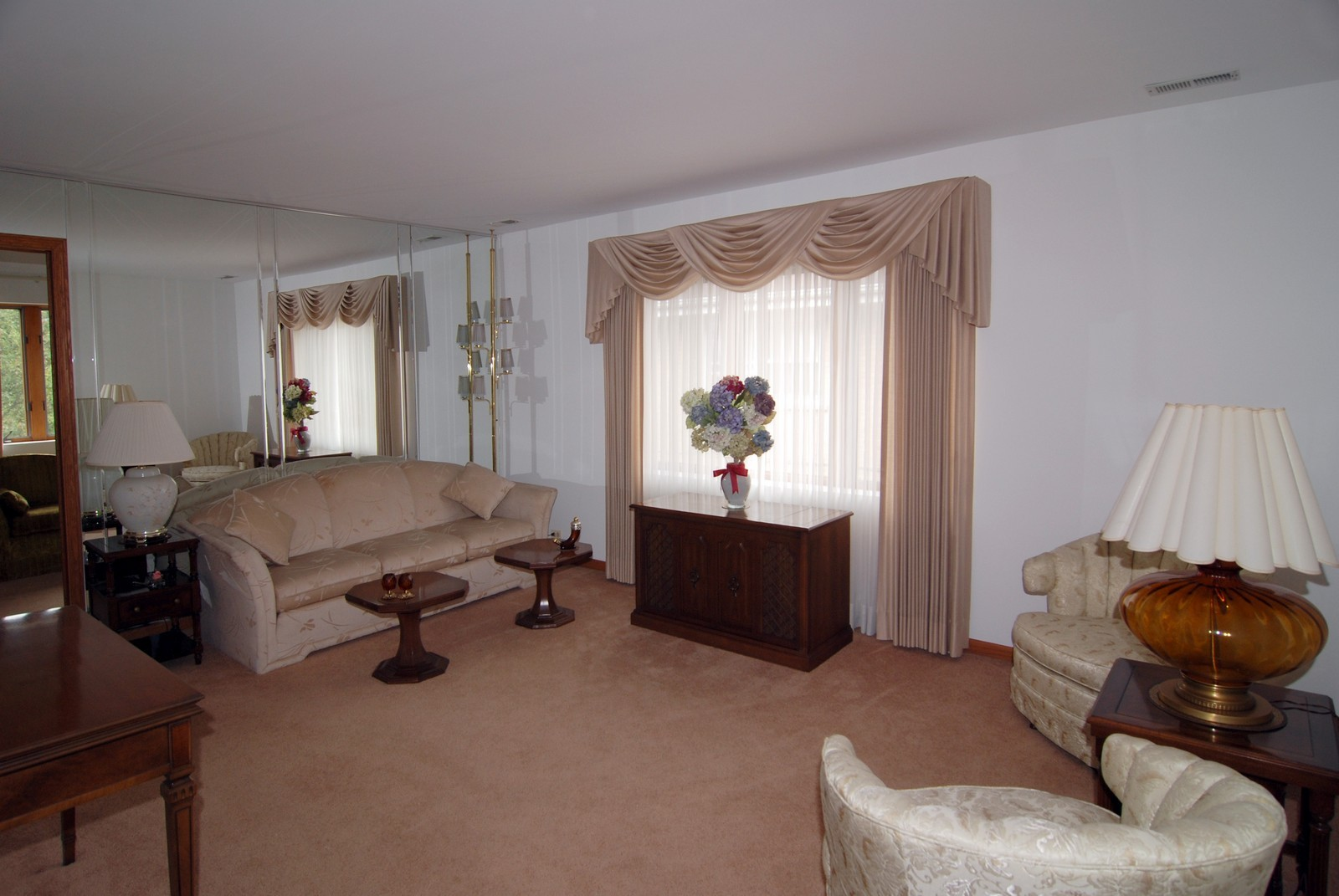 Real Estate Photography - 7610 26th St, Unit 4, North Riverside, IL, 60546 - Living Room