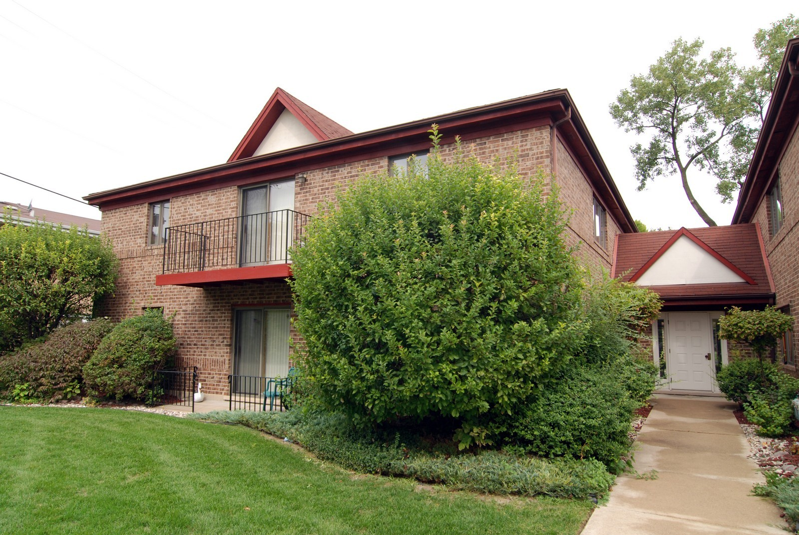 Real Estate Photography - 7610 26th St, Unit 4, North Riverside, IL, 60546 - Front View