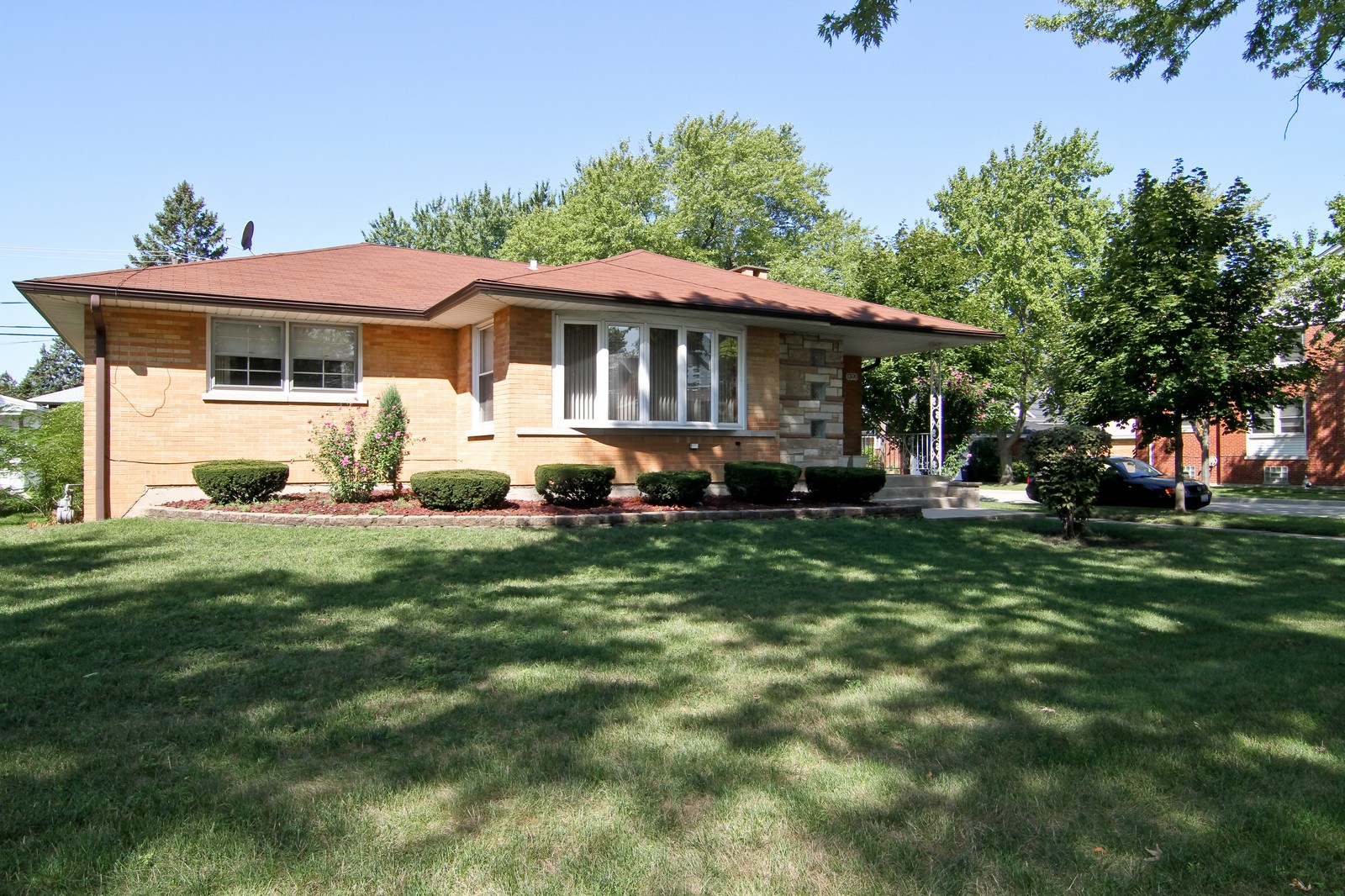 Real Estate Photography - 1300 Balmoral, Westchester, IL, 60154 - Front View