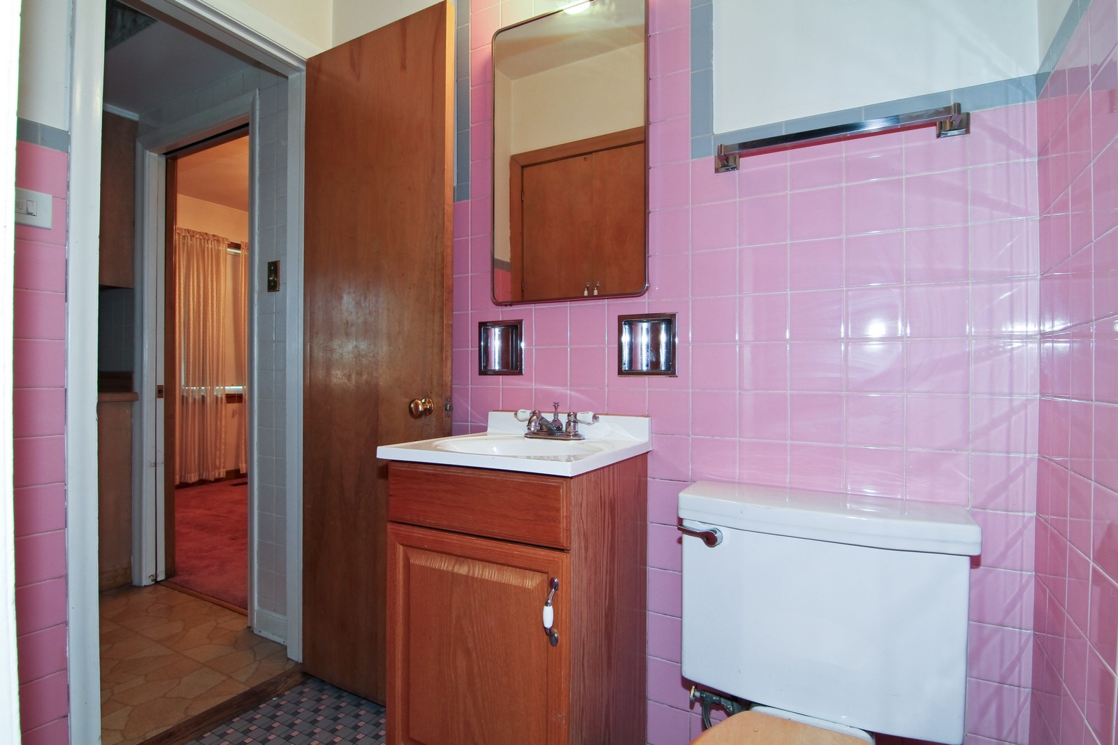 Real Estate Photography - 1300 Balmoral, Westchester, IL, 60154 - Bathroom