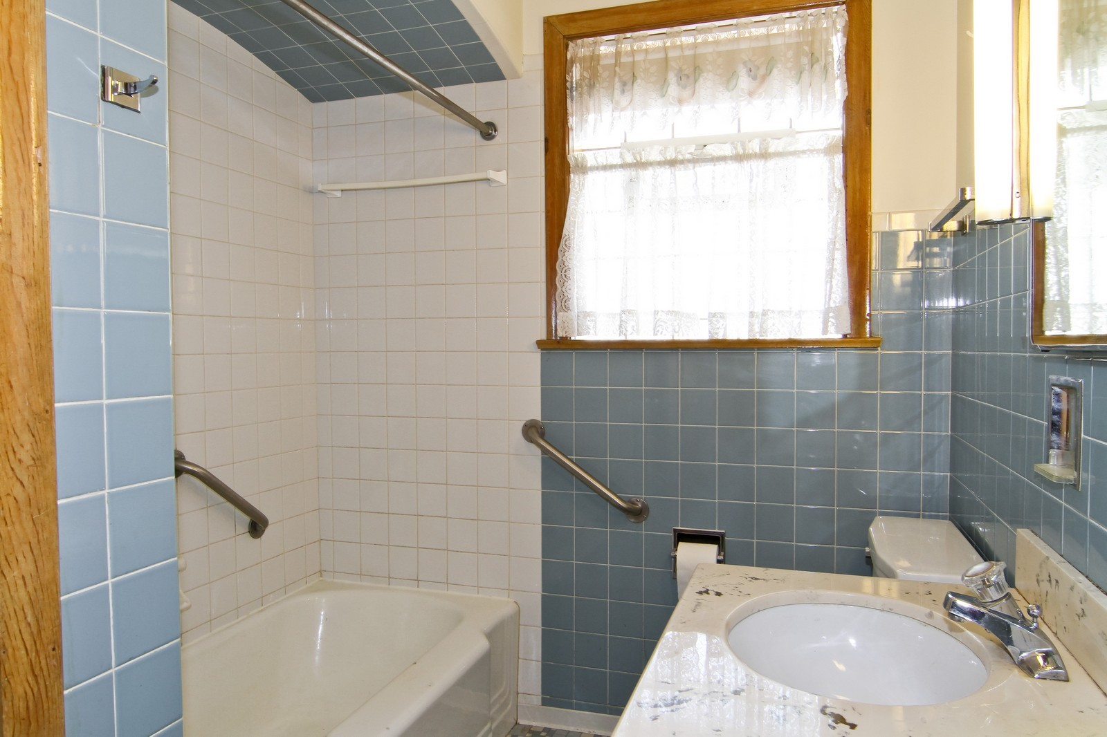 Real Estate Photography - 1300 Balmoral, Westchester, IL, 60154 - 2nd Bathroom