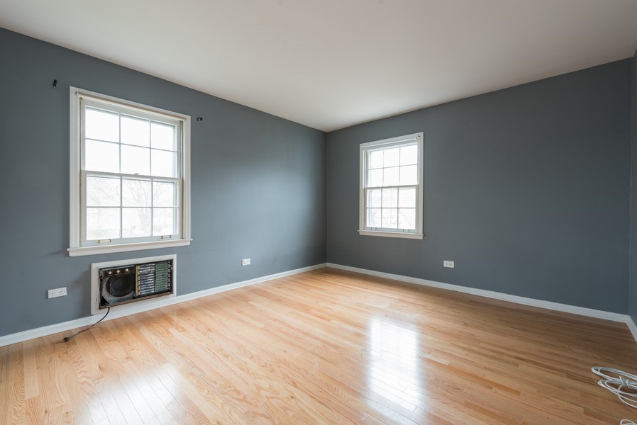 Real Estate Photography - 1155 Meadow, Unit 14A, Northbrook, IL, 60062 - 2nd Bedroom