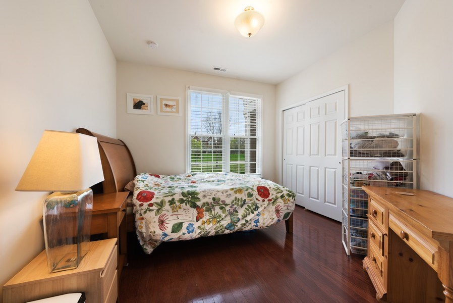 Real Estate Photography - 1698 Patriot Way, Glenview, IL, 60026 - 2nd Bedroom