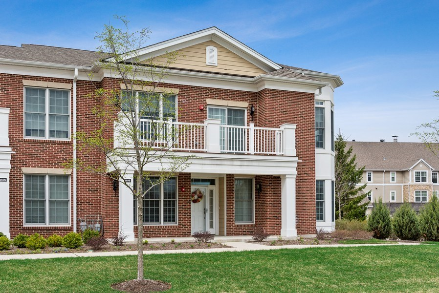Real Estate Photography - 1698 Patriot Way, Glenview, IL, 60026 - Front View