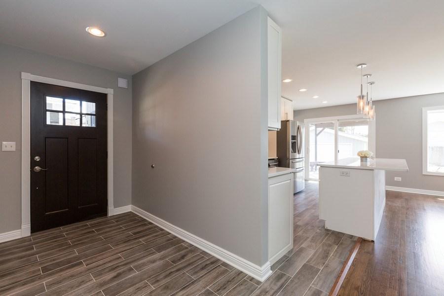 Real Estate Photography - 435 E Berry, Barrington, IL, 60010 - Foyer
