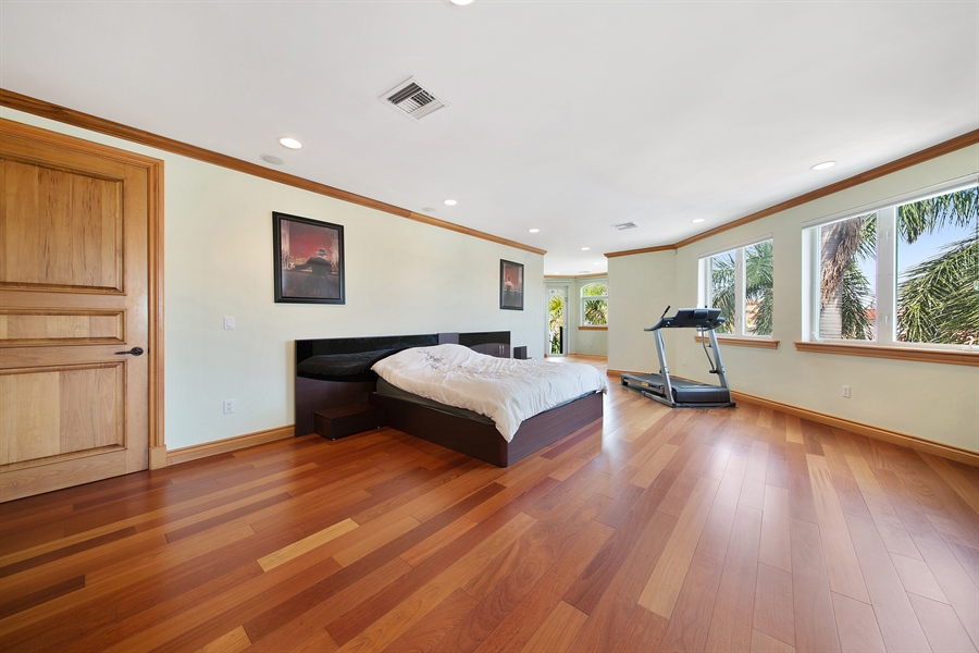 Real Estate Photography - 16461 NE 29th AV, North Miami Beach, FL, 33160 - Master Bedroom