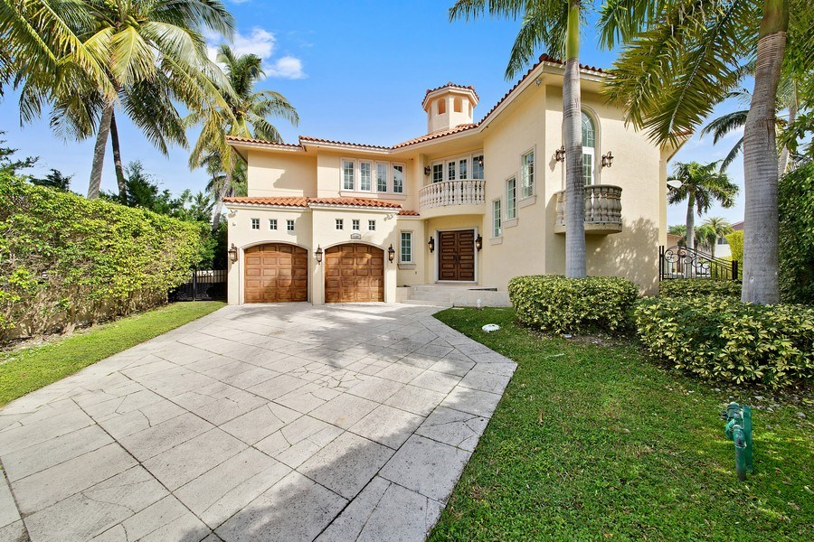 Real Estate Photography - 16461 NE 29th AV, North Miami Beach, FL, 33160 - Front View