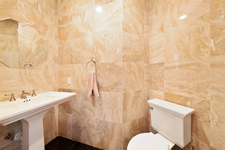 Real Estate Photography - 16461 NE 29th AV, North Miami Beach, FL, 33160 - Half Bath