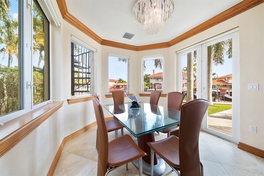 Real Estate Photography - 16461 NE 29th AV, North Miami Beach, FL, 33160 - Breakfast Nook