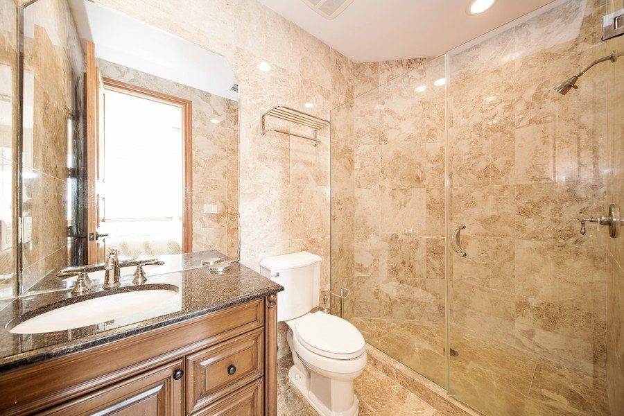 Real Estate Photography - 16461 NE 29th AV, North Miami Beach, FL, 33160 - 2nd Bathroom