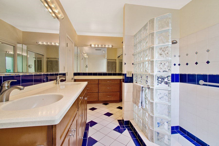 Real Estate Photography - 2860 NE 55th PL, Fort Lauderdale, FL, 33308 - Master Bathroom