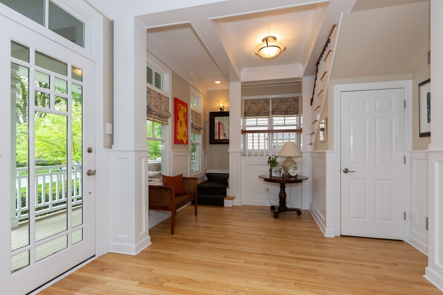 Real Estate Photography - 612 S Lincoln, Hinsdale, IL, 60521 - Foyer
