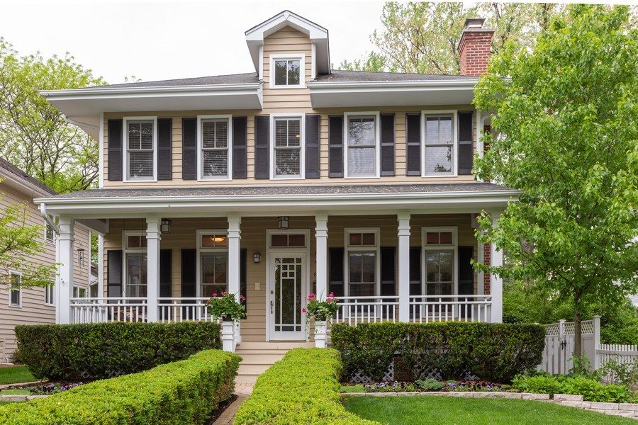 Real Estate Photography - 612 S Lincoln, Hinsdale, IL, 60521 - Front View