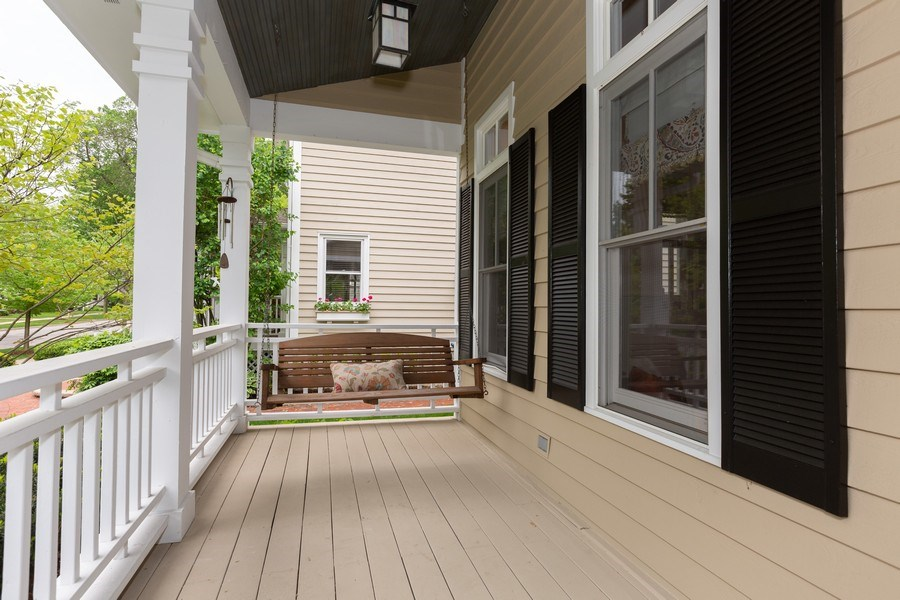 Real Estate Photography - 612 S Lincoln, Hinsdale, IL, 60521 - Porch