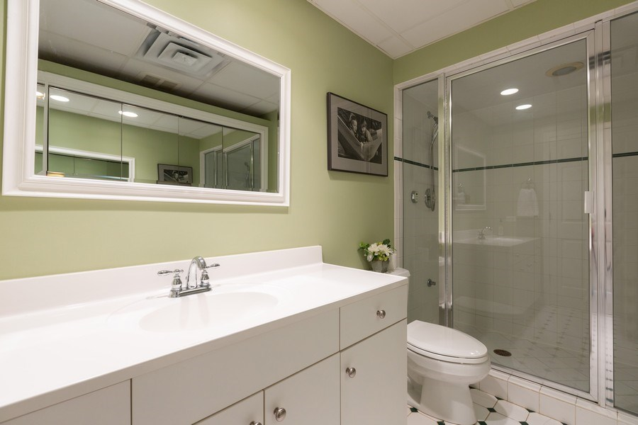 Real Estate Photography - 612 S Lincoln, Hinsdale, IL, 60521 - Bathroom