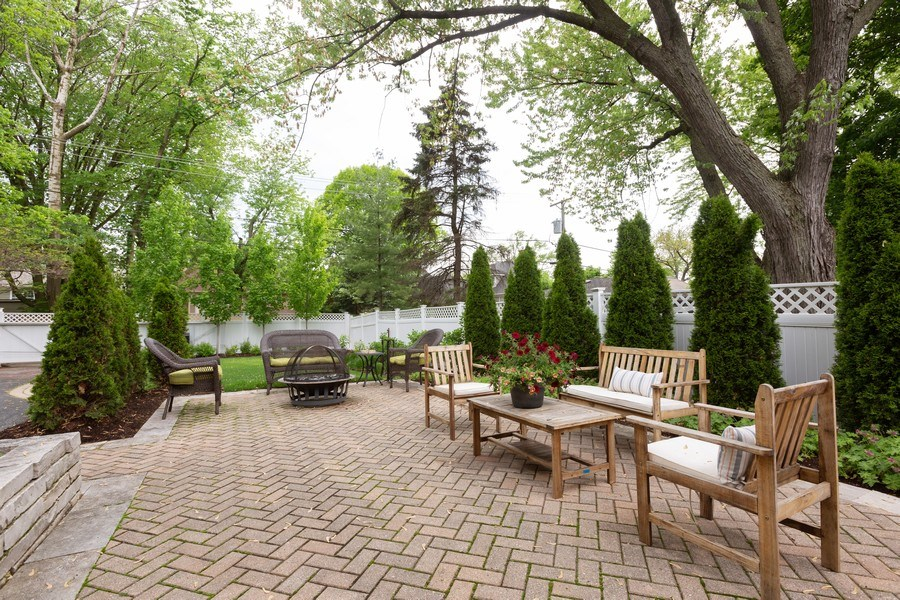 Real Estate Photography - 612 S Lincoln, Hinsdale, IL, 60521 - Patio