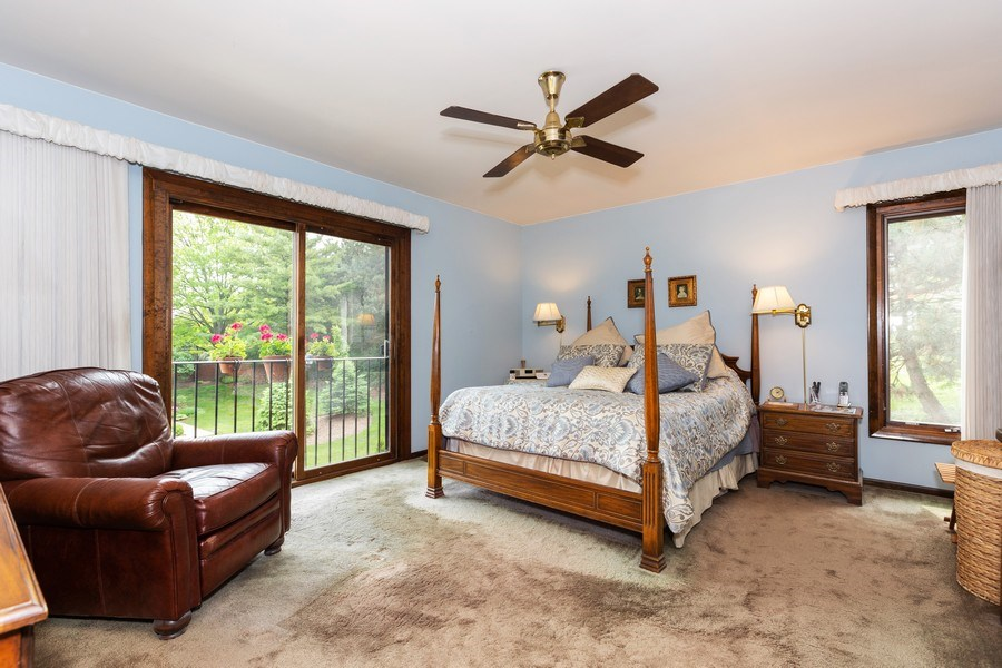 Real Estate Photography - 19w284 Paul Revere Ln, Oak Brook, IL, 60523 - Master Bedroom