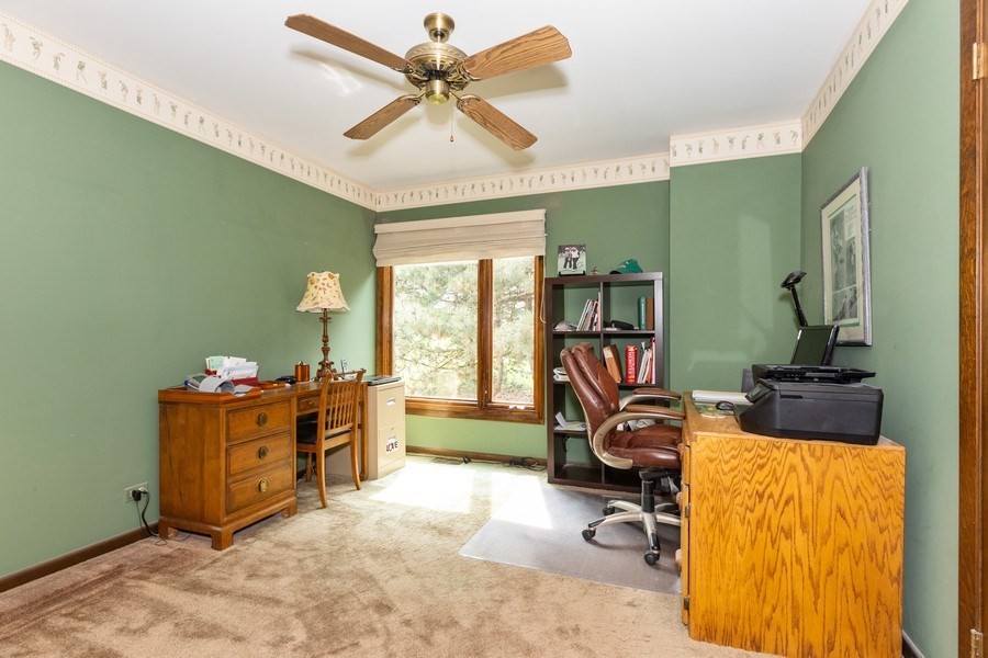 Real Estate Photography - 19w284 Paul Revere Ln, Oak Brook, IL, 60523 - Bedroom