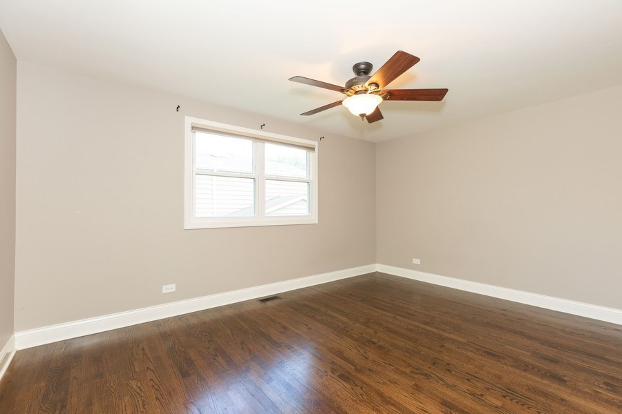 Real Estate Photography - 925 Kennebec Ln, Naperville, IL, 60563 - 2nd Bedroom