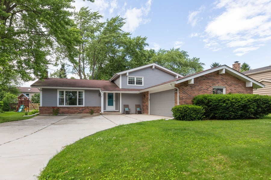 Real Estate Photography - 925 Kennebec Ln, Naperville, IL, 60563 - Front View