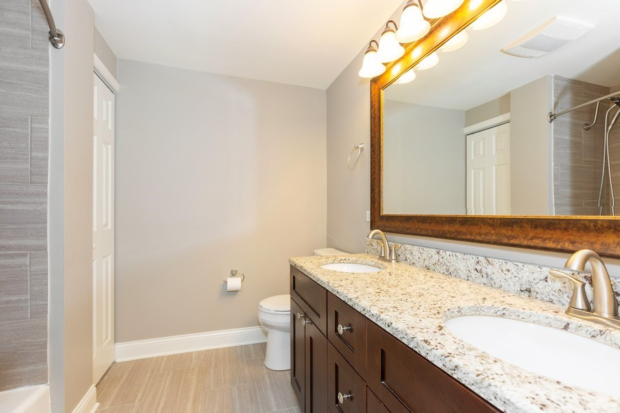 Real Estate Photography - 925 Kennebec Ln, Naperville, IL, 60563 - Bathroom