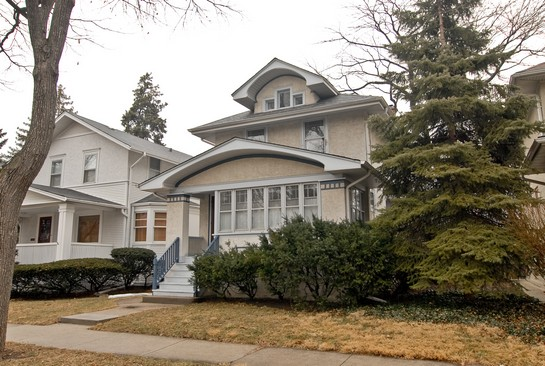 Front View photograph of 734 N Lombard Oak Park Illinois 60302