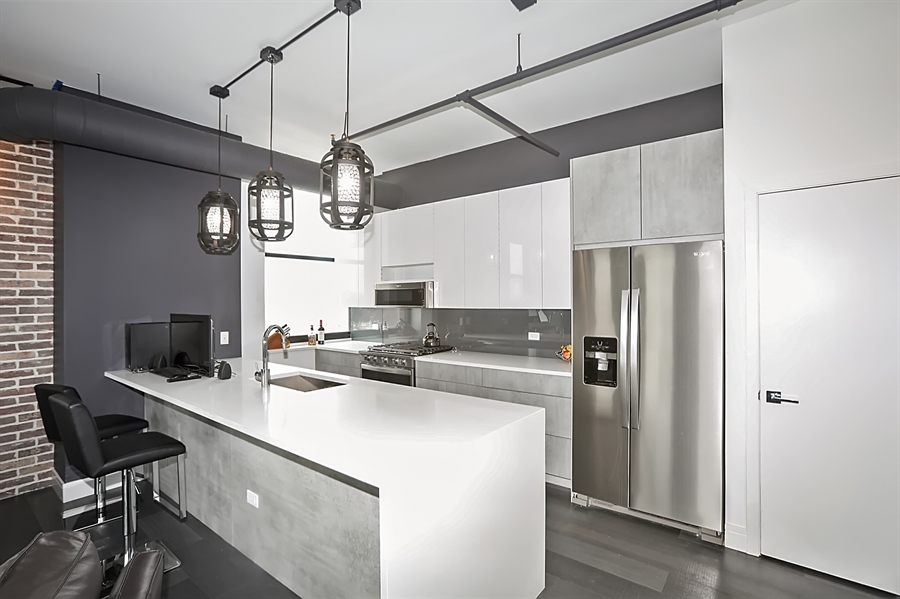 Real Estate Photography - 2323 W Pershing Rd, Unit 505, Chicago, IL, 60609 - Kitchen