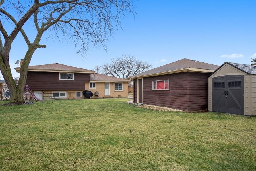 Real Estate Photography - 557 n Plamondon dr, Addison, IL, 60101 - Rear View