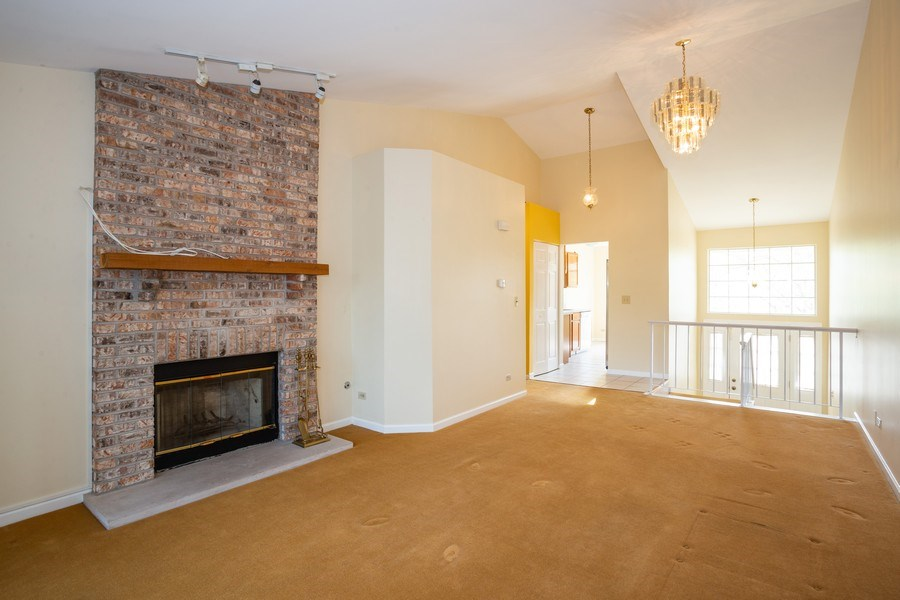 Real Estate Photography - 2651 S Cedar Glen, Arlington Heights, IL, 60005 - Living Room