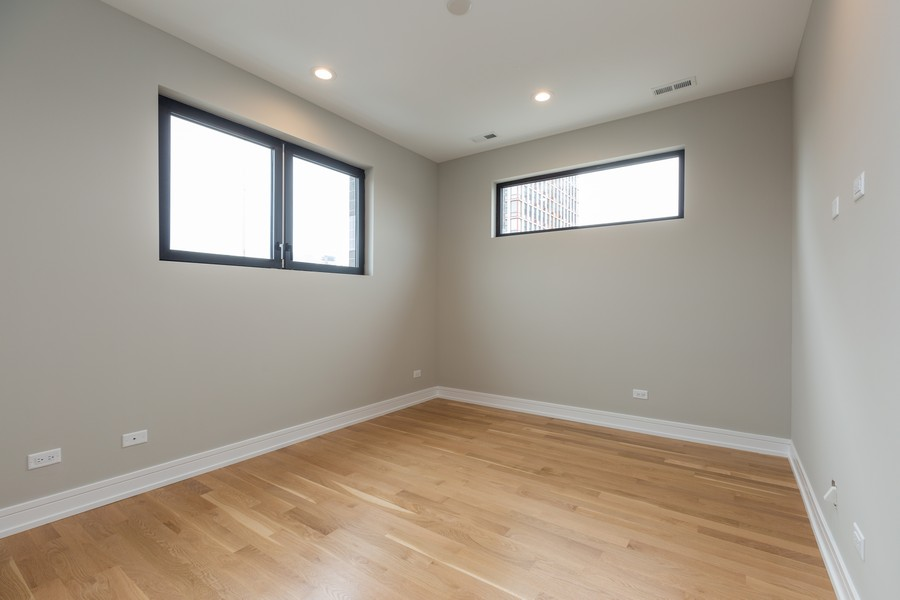 Real Estate Photography - 1203 W Superior st, 3A, Chicago, IL, 60642 -