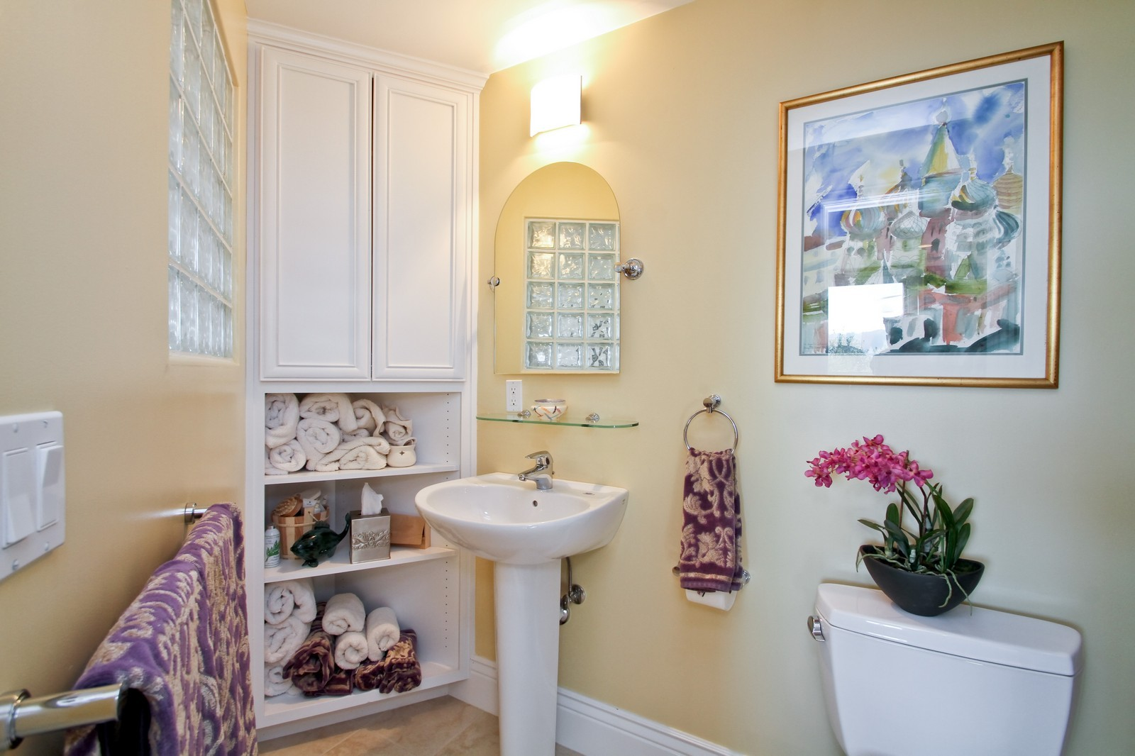 Real Estate Photography - 73 Upper Toyon Drive, Kentfield, CA, 94904 - 2nd Bathroom