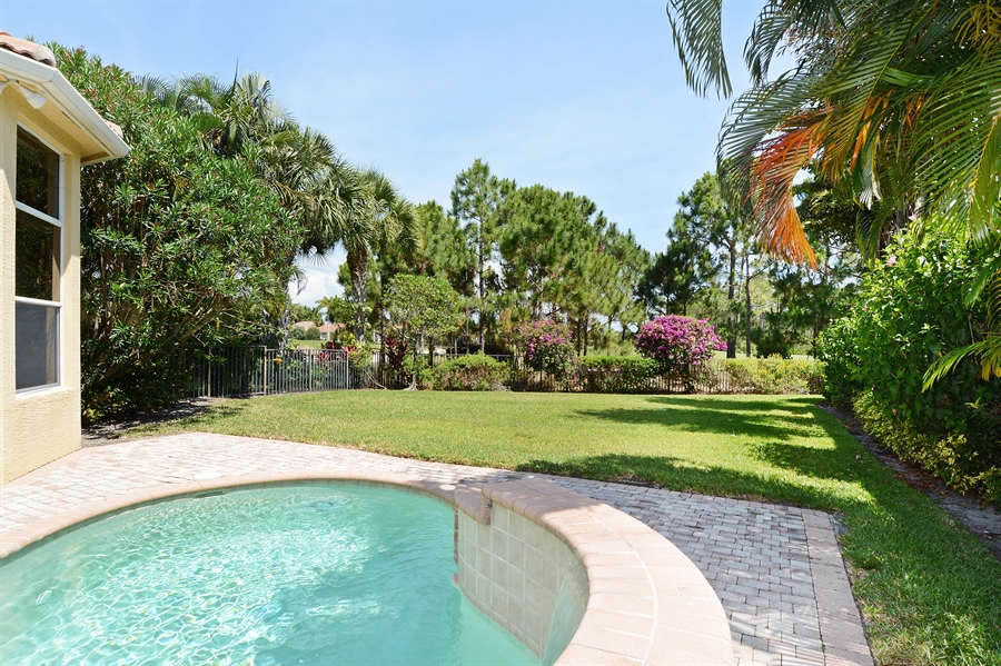 Real Estate Photography - 293 Porto Vecchio, Palm Beach Gardens, FL, 33418 - Pool